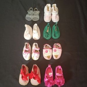 8 girls shoes size 3-6 months